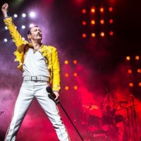 'One Night of Queen' performed by Gary Mullen and ...