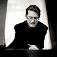 Llŷr Williams, piano