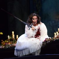 Lyric Opera presents Lucia di Lammermoor